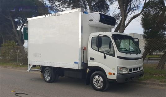 2004 Hino Dutro 4500 - Trucks for Sale