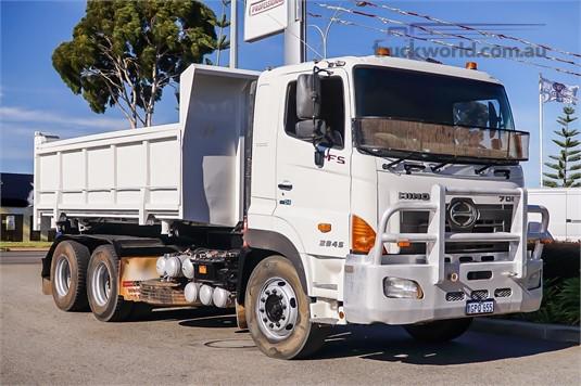 2009 Hino 700 Series FS Trucks for Sale