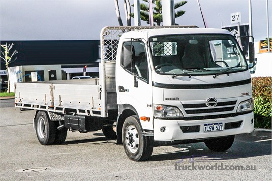 2008 Hino 300 Series 916 - Trucks for Sale