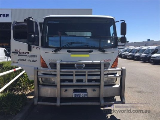 2011 Hino other - Trucks for Sale