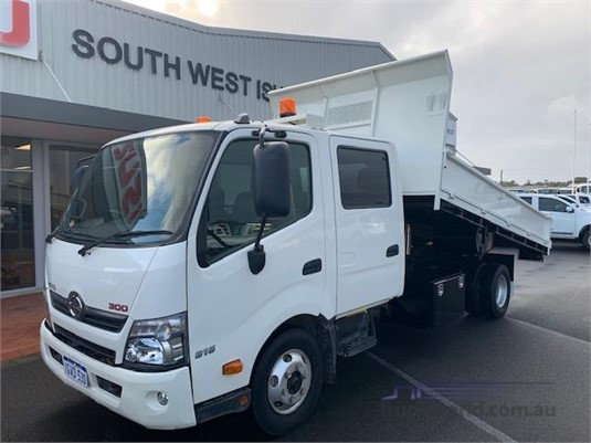 2013 Hino 300 Series 816 Crew Auto South West Isuzu - Trucks for Sale