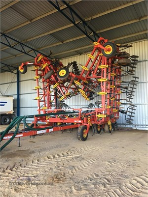 2015 Bourgault 8910 - Farm Machinery for Sale