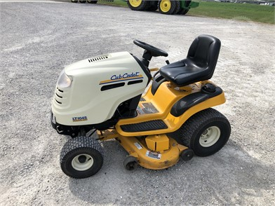 CUB CADET Riding Lawn Mowers Auction Results - 86 Listings