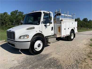 FREIGHTLINER BUSINESS CLASS M2 Service Trucks / Utility