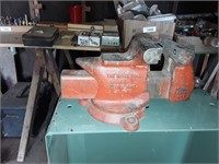Online Auction Selling Woodworking Equipment for Mario Moran