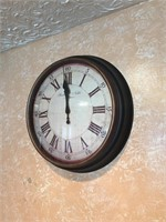 Large Battery Operated Kitchen Wall Clock.