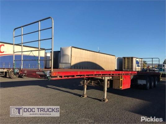 2010 Krueger Flat Top Trailer DOC Trucks - Trailers for Sale