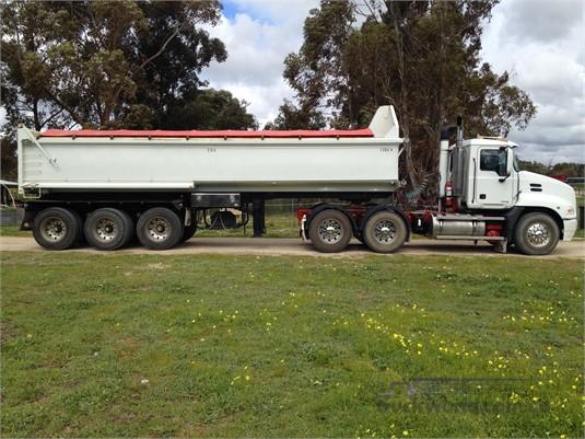 2007 Mack Vision Trucks for Sale