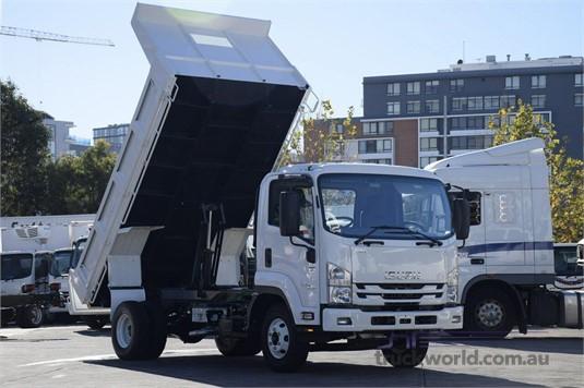 2018 Isuzu FRR - Trucks for Sale