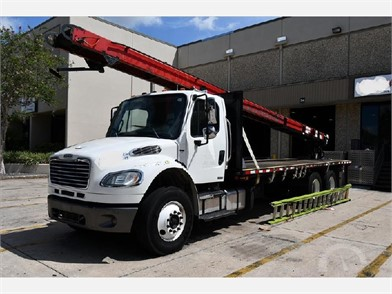 FREIGHTLINER Heavy Duty Trucks Online Auctions - 79 Listings