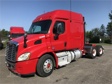 FREIGHTLINER CASCADIA 113 Conventional Trucks W/ Sleeper For Sale