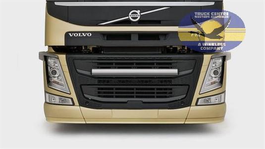 Volvo FM11 6x2 Tractor X-Low Lite Pusher Full Air Suspension