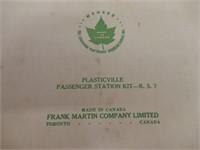PLASTICVILLE PASSENGER STATION KIT -R. S. 7/ BOX