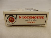 AMTRAK N SCALE 505 F9 DIESEL LOCOMOTIVE / BOX