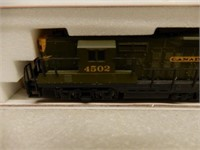 ATLAS CANADIAN NATIONAL 4502 LOCOMOTIVE / CASE
