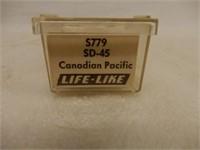 LIFE-LIKE CP RAIL 4242 N SCALE LOCOMOTIVE / CASE