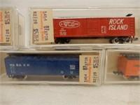 LOT OF 12 MODEL POWER N GAUGE RAILWAY CARS /CASES
