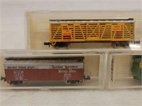 LOT OF 6 LIFE-LIKE N SCALE MODEL TRAINS/ CASES