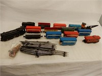 GROUPING OF MARX MODEL TRAINS / NO BOXES