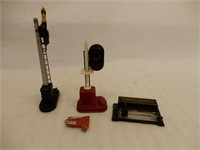GROUPING OF 3 RAILROAD  ACCESSORIES- 2  LIONEL