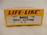 LOT OF 5 LIFE-LIKE HO TRAINS / BOXES/ NOS