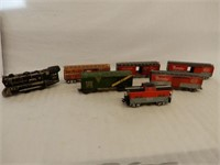 GROUPING OF 8 MODEL RAILWAY  ENGINE & CARS