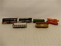 LOT OF 6 HAFNER RAILROAD ENGINES & TRAIN CARS