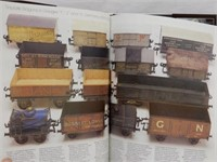 ALL COLOR GUIDE TO TOY TRAINS HARD COVER BOOK