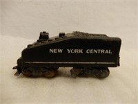 LOT OF MISC. RAILROAD ENGINES, CARS & ACCESSORIES