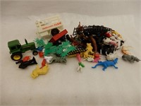 LARGE GROUPING OF RAILWAY ACCESSORIES, TRAIN CARS
