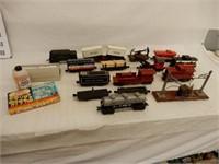 LOT OF RAILROAD TRAIN CARS & ACCESSORIES