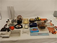 LARGE GROUPING OF HO RAILWAY COLLECTIBLES & MISC.