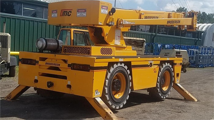 A Closer Look At The Broderson IC200-3H Carry Deck Crane