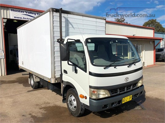 2003 Toyota Dyna Trucks for Sale