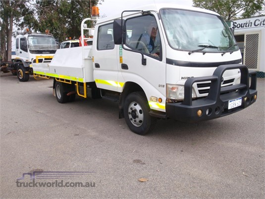 2009 Hino 300 Series 816 Crew Auto - Trucks for Sale