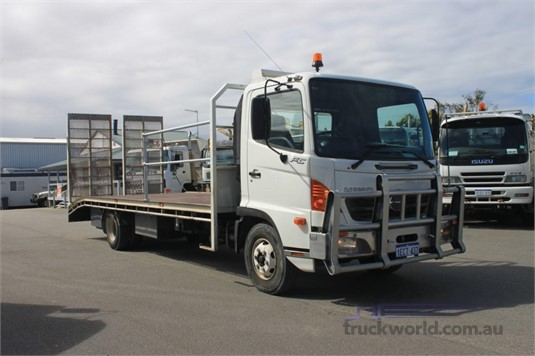 2006 Hino FC - Trucks for Sale