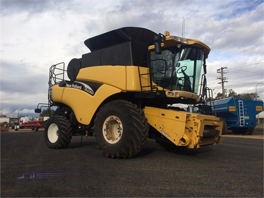 New Holland CR970 Black Truck Sales - Farm Machinery for Sale