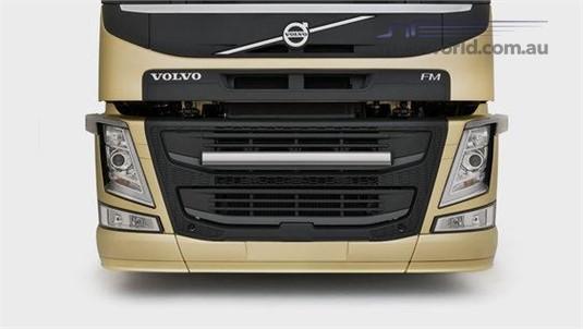 Volvo FM13 6x2 Tractor Medium Lite Pusher Rear Air Suspension