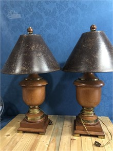 2 MATCHING LAMPS Other Items For Sale - 2 Listings