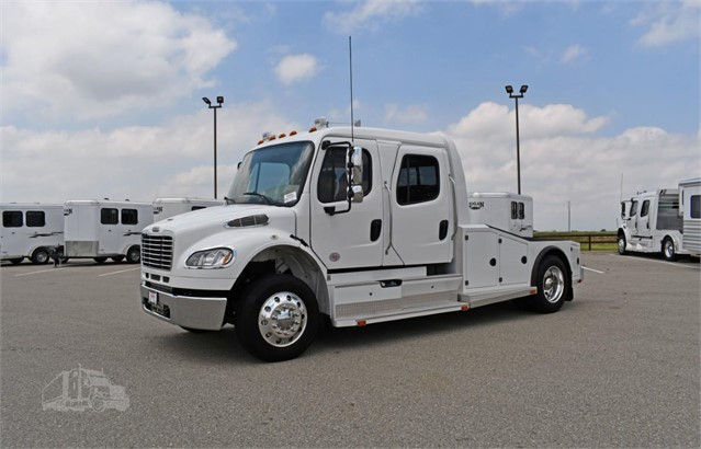 2015 FREIGHTLINER BUSINESS CLASS M2 106 For Sale In Frederick, Colorado