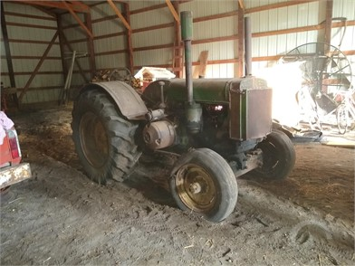 Auctions » Krystowski Tractor