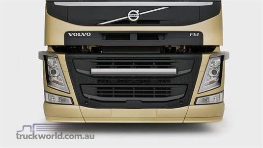 Volvo FM11 6x4 Tractor High Rear Air Suspension