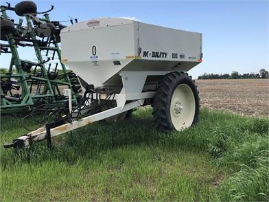 MOBILITY Dry Fertilizer Applicators For Sale - 14 Listings