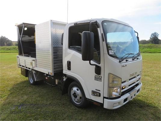 2014 Isuzu NLR 200 AMT - Trucks for Sale