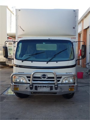 2009 Hino 300 Series 616 - Trucks for Sale