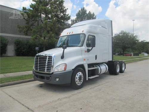 How Much Does A 2018 Freightliner Cascadia Weight