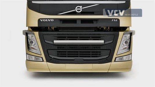 Volvo FM13 6x4 Tractor X-High B-Ride