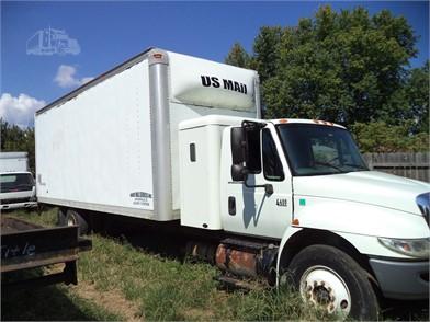 Davis Mail Services | Dry Van Trucks / Straight Trucks For