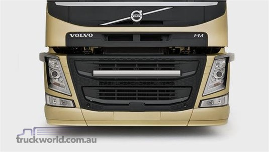 Volvo FM13 6x4 Tractor High Rear Air Suspension