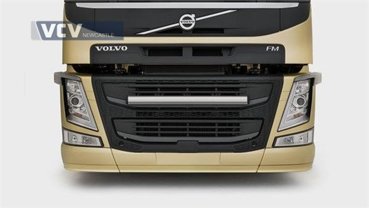 Volvo FM13 6x4 Tractor High Rear Air Suspension